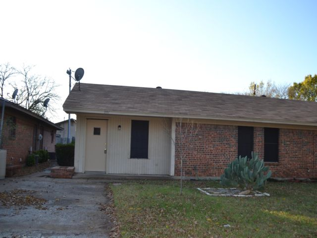 2 BR,  1.00 BTH Duplex style home in Everman