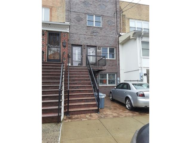 1 BR,  1.00 BTH Multi-family style home in Dyker Heights