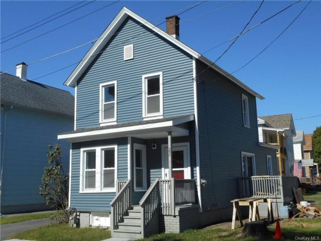 3 BR,  1.00 BTH Colonial style home in Port Jervis
