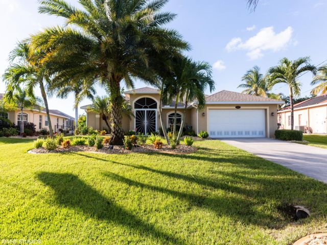 3 BR,  2.00 BTH   style home in Cape Coral