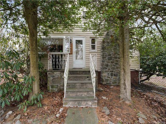 3 BR,  2.00 BTH Cape style home in Yorktown