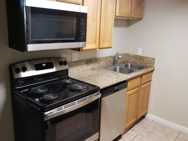 2 BR,  1.00 BTH Apartment style home in Holladay
