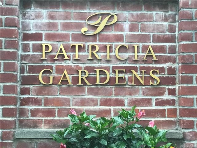 2 BR,  1.00 BTH Co-op style home in Larchmont
