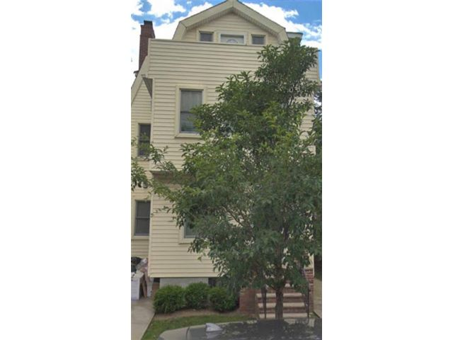 5 BR,  3.00 BTH Multi-family style home in Midwood