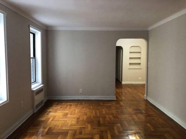1 BR,  1.00 BTH  style home in Astoria