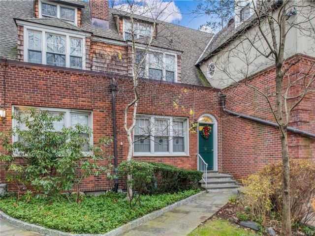 1 BR,  1.00 BTH  Garden apartmen style home in Scarsdale