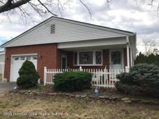 2 BR,  2.00 BTH Detached style home in Toms River