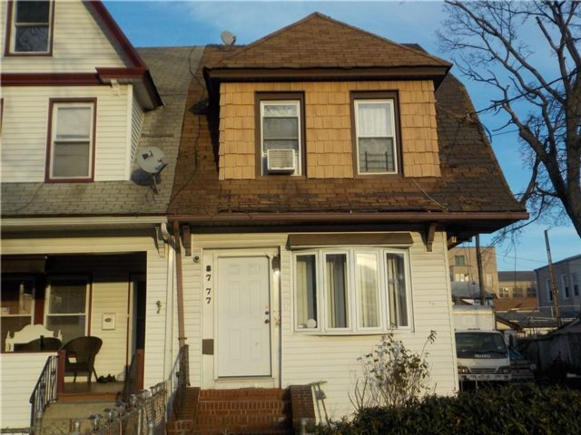 4 BR,  0.00 BTH Multi-family style home in Richmond Hill