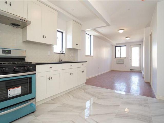 2 BR,  2.00 BTH Condominium style home in Boro-park