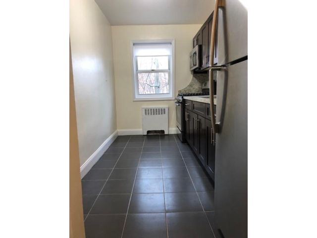 1 BR,  1.00 BTH  Apartment style home in Grymes Hill