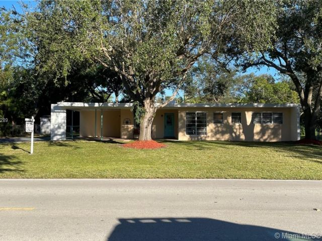 3 BR,  2.00 BTH  style home in Coral Gables