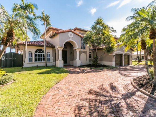 5 BR,  4.00 BTH  style home in Hialeah