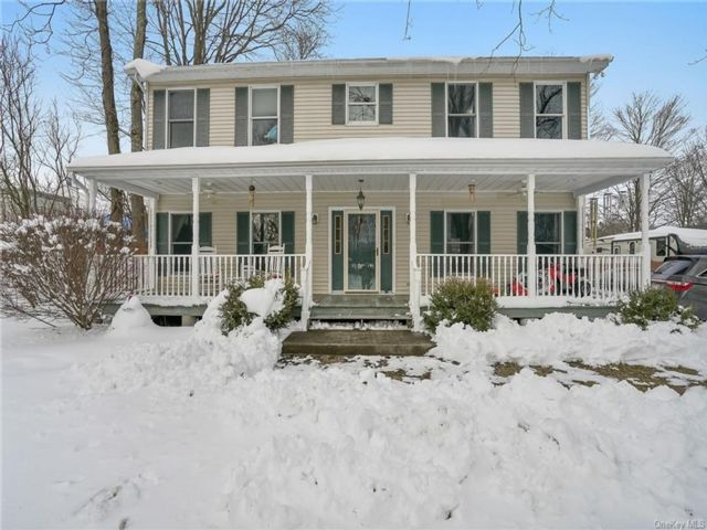 3 BR,  3.00 BTH Colonial style home in Mamakating