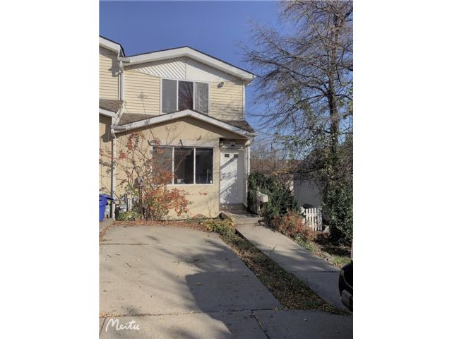 3 BR,  2.00 BTH Single family style home in Fort Wadsworth