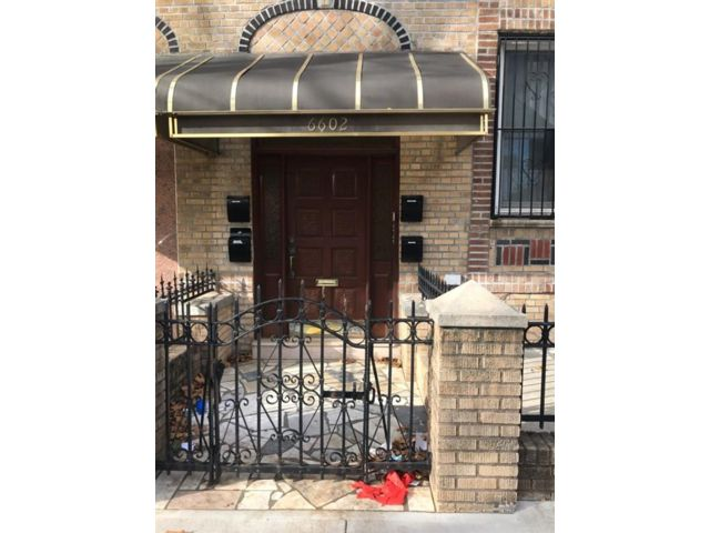 Studio,  5.00 BTH Multi-family style home in Dyker Heights