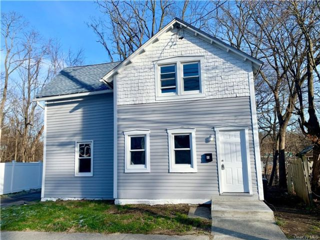 3 BR,  1.00 BTH Colonial style home in Montgomery