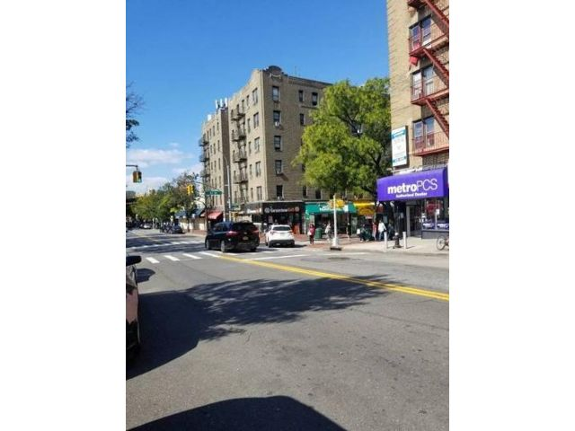 Studio,  0.00 BTH Retail space style home in Woodside