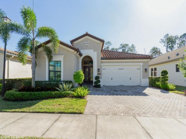 3 BR,  3.50 BTH  style home in Naples