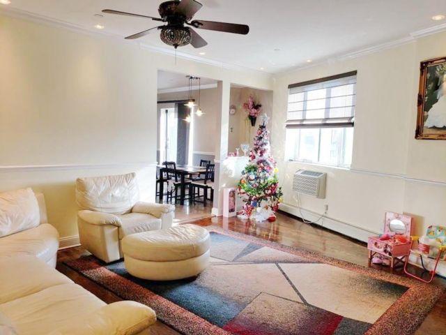3 BR,  2.00 BTH Condominium style home in Bensonhurst