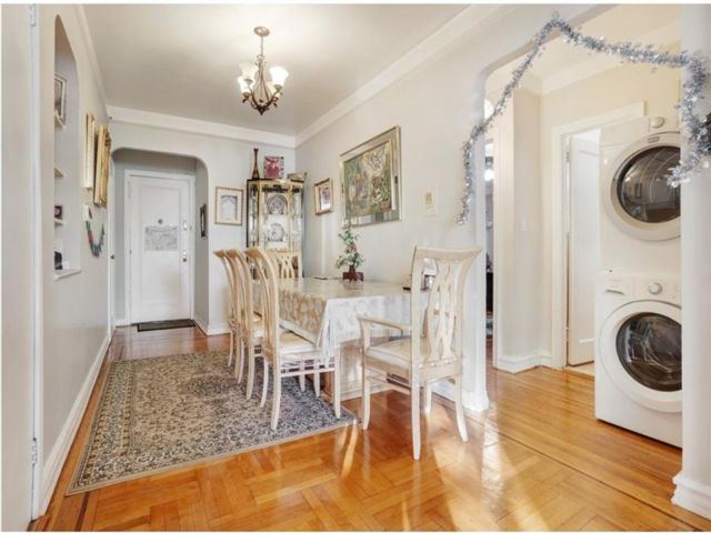 2 BR,  1.00 BTH Co-op style home in Midwood