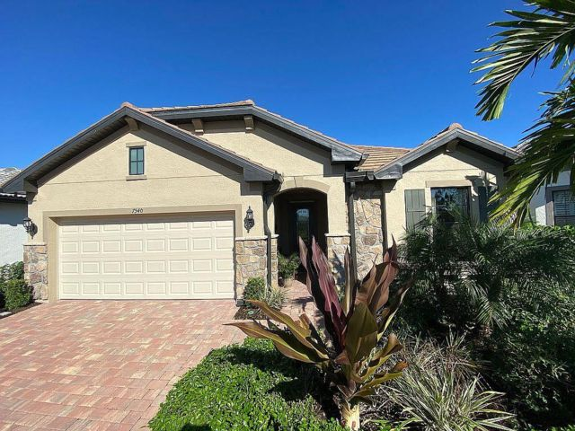 2 BR,  2.00 BTH Craftsman style home in Naples