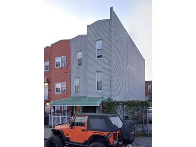 Studio,  0.00 BTH  Multi-family style home in Bushwick