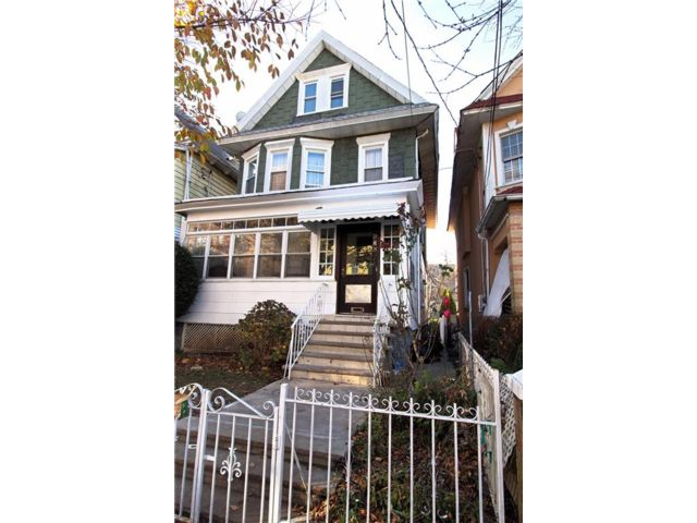 6 BR,  3.00 BTH  Single family style home in East Flatbush