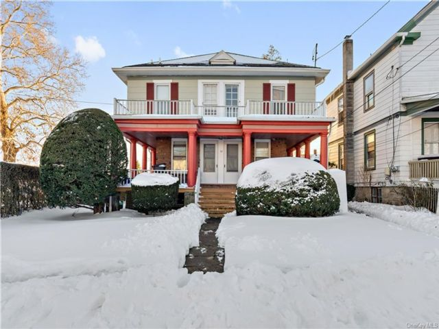 6 BR,  4.00 BTH  House style home in Ossining
