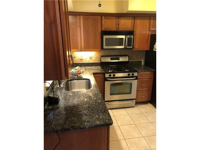 1 BR,  1.00 BTH Multi family style home in Wakefield