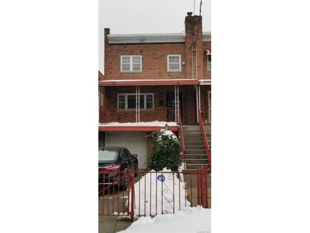 3 BR,  2.00 BTH Townhouse style home in Wakefield
