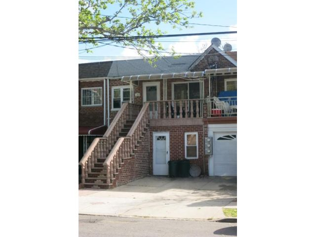 3 BR,  3.00 BTH Multi-family style home in Canarsie