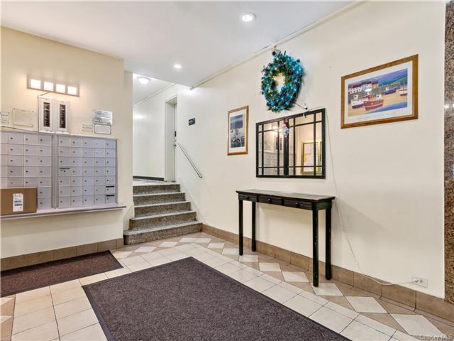 1 BR,  1.00 BTH House style home in Hollis