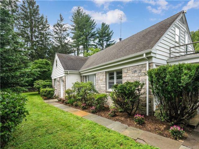 [Bedford Corners Real Estate, listing number 6978546]