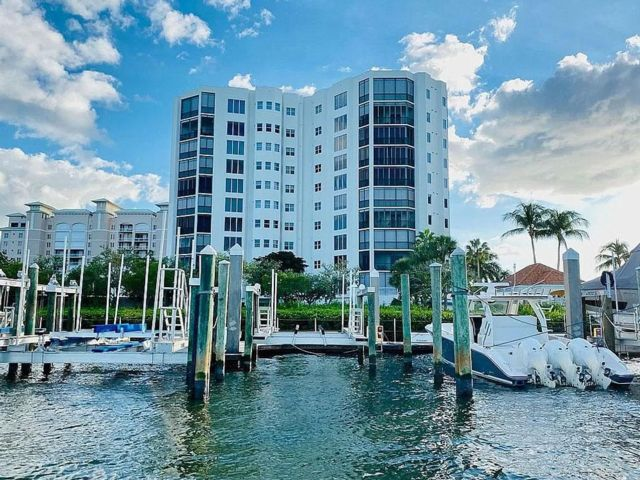 2 BR,  2.00 BTH Condo style home in Fort Myers Beach