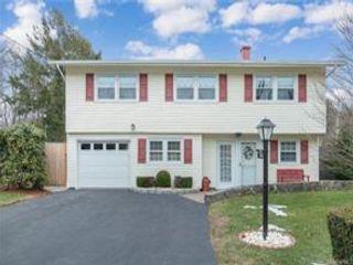 [Hawthorne Real Estate, listing number 6978551]