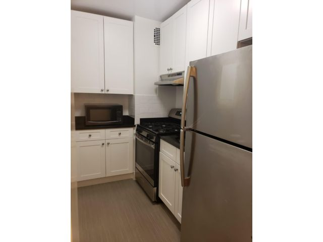 2 BR,  1.00 BTH Apartment style home in Sunnyside