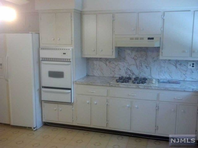 3 BR,  2.00 BTH  2 family style home in Fort Lee