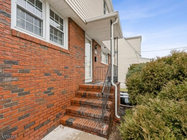 [Nutley Real Estate, listing number 6978891]