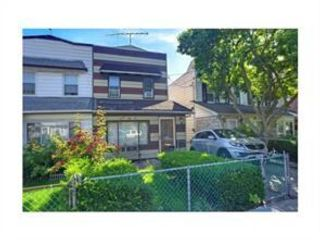 3 BR,  1.00 BTH Duplex style home in Old Mill Basin