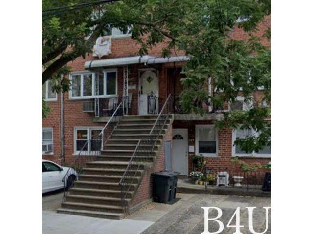 5 BR,  3.50 BTH Duplex style home in Mill Basin