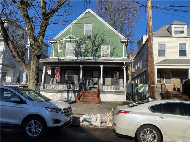 Studio,  0.00 BTH  Multi-family style home in Woodhaven