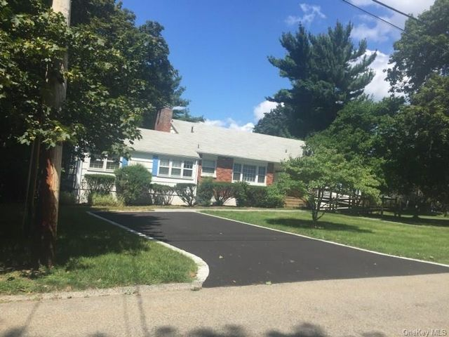 4 BR,  3.00 BTH Single family style home in Ossining