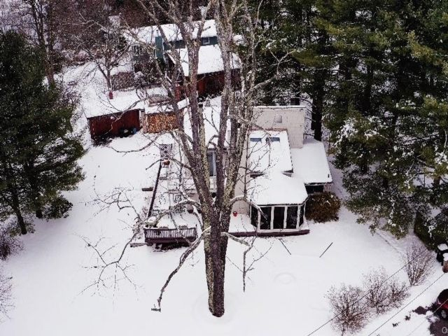 5 BR,  3.00 BTH Single family style home in Thompson