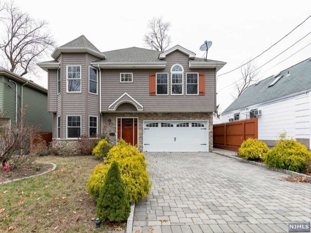 4 BR,  3.00 BTH Colonial style home in Bergenfield