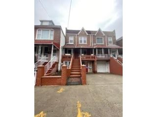 4 BR,  0.00 BTH  Multi-family style home in East Flatbush