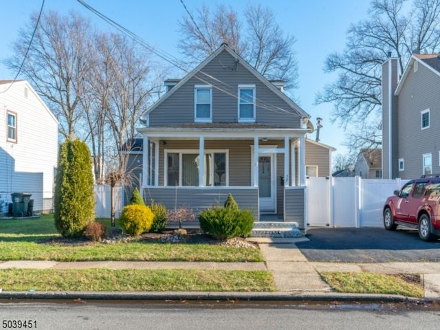 3 BR,  2.00 BTH Detached style home in Avenel