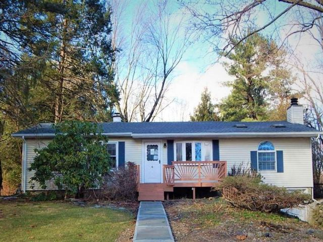 3 BR,  2.00 BTH Ranch style home in Warwick