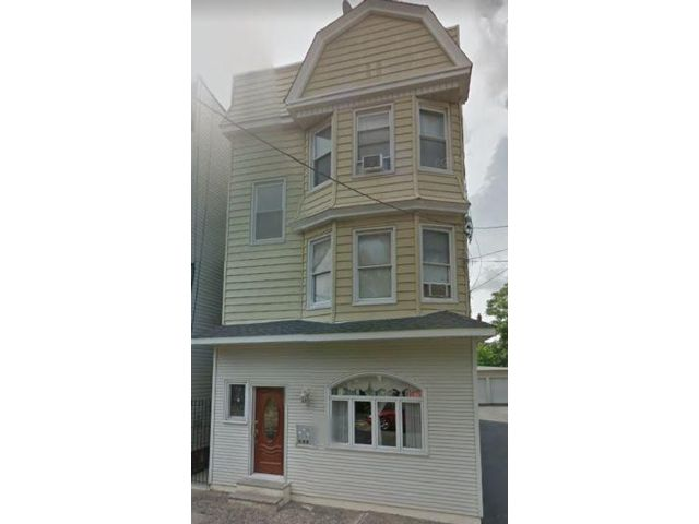 3 BR,  1.00 BTH  style home in Kearny