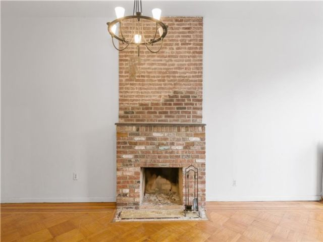 5 BR,  3.00 BTH Multi-family style home in Bedford Stuyvesant