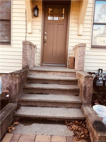 4 BR,  3.00 BTH Apartment style home in Mount Pleasant